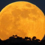 Monday Morning's Giant Supermoon Will Be Biggest & Brightest in 68 Years!