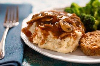 vegan mash potatoes and mushroom gravy