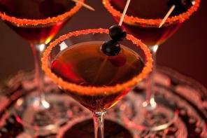Halloween Mocktail: The Vampire Delight