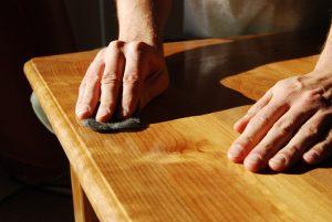 comment peindre un meuble en merisier