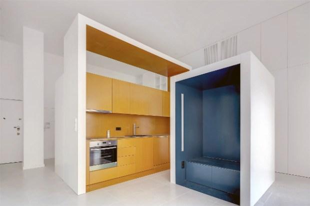 Des studios compacts et fonctionnels grce  du mobilier pliant et des box  Conseils Dco
