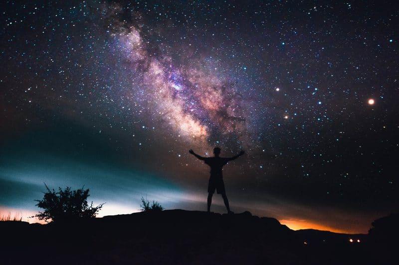 CÓMO PEDIR AL UNIVERSO LO QUE DESEAS