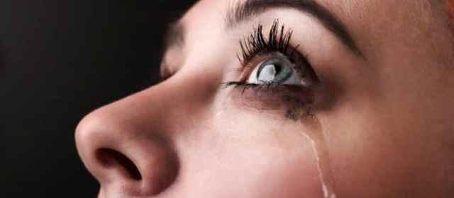 LAS PERSONAS QUE LLORAN EN LAS PELÍCULAS SON EMOCIONALMENTE MÁS FUERTES