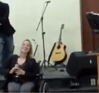 Cantando a musica sou humano - Conselheiro Cristão