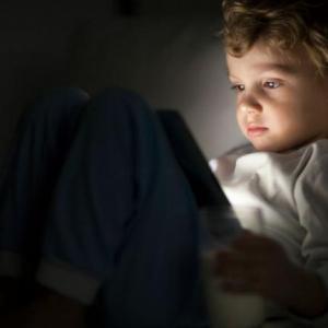 Use Screen Limit App to Avert Kids' Visual Fatigue