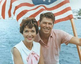ronald_reagan_and_nancy_reagan_aboard_a_boat_in_california_1964.jpg