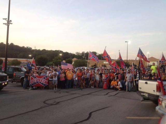 Tom Pierce hosts second, much larger Confederate flag rally in Knoxville