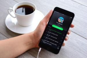 Spotify Raises Its Download Limit To 10,000 Songs Consider The Consumer