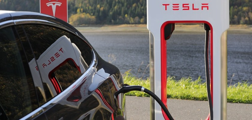 Tesla Battery Not As Strong As Claimed, Class Action Investigation Alleges Tesla Battery Investigation Tesla Investigation Is Tesla Cheating Consumers Consider The Consumer