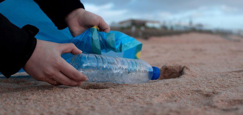 Niagara Bottles Class Action Lawsuit 2021 - Kirkland, Save Mart, And Niagara Water Bottles Not 100% Recyclable?