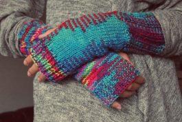Mani arrossate dal freddo? Il rimedio è un bell'impacco alla camomilla!