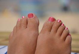 Come realizzare uno scrub per piedi naturale