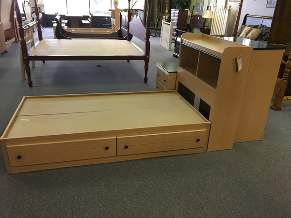lea twin over twin bunk bed | allegheny furniture consignment