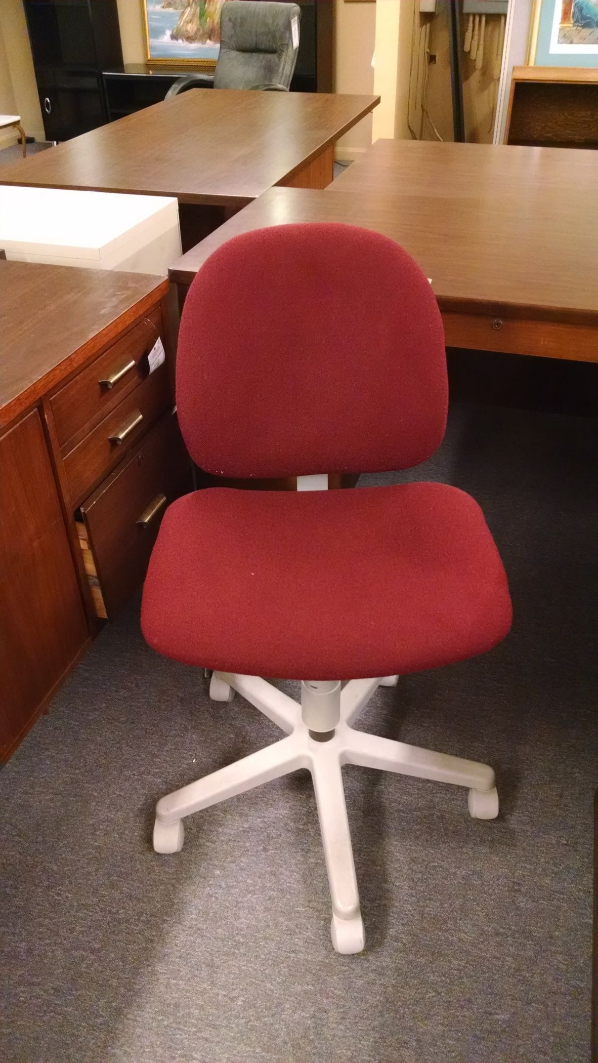 maroon office chairs stair chair for sale delmarva furniture consignment