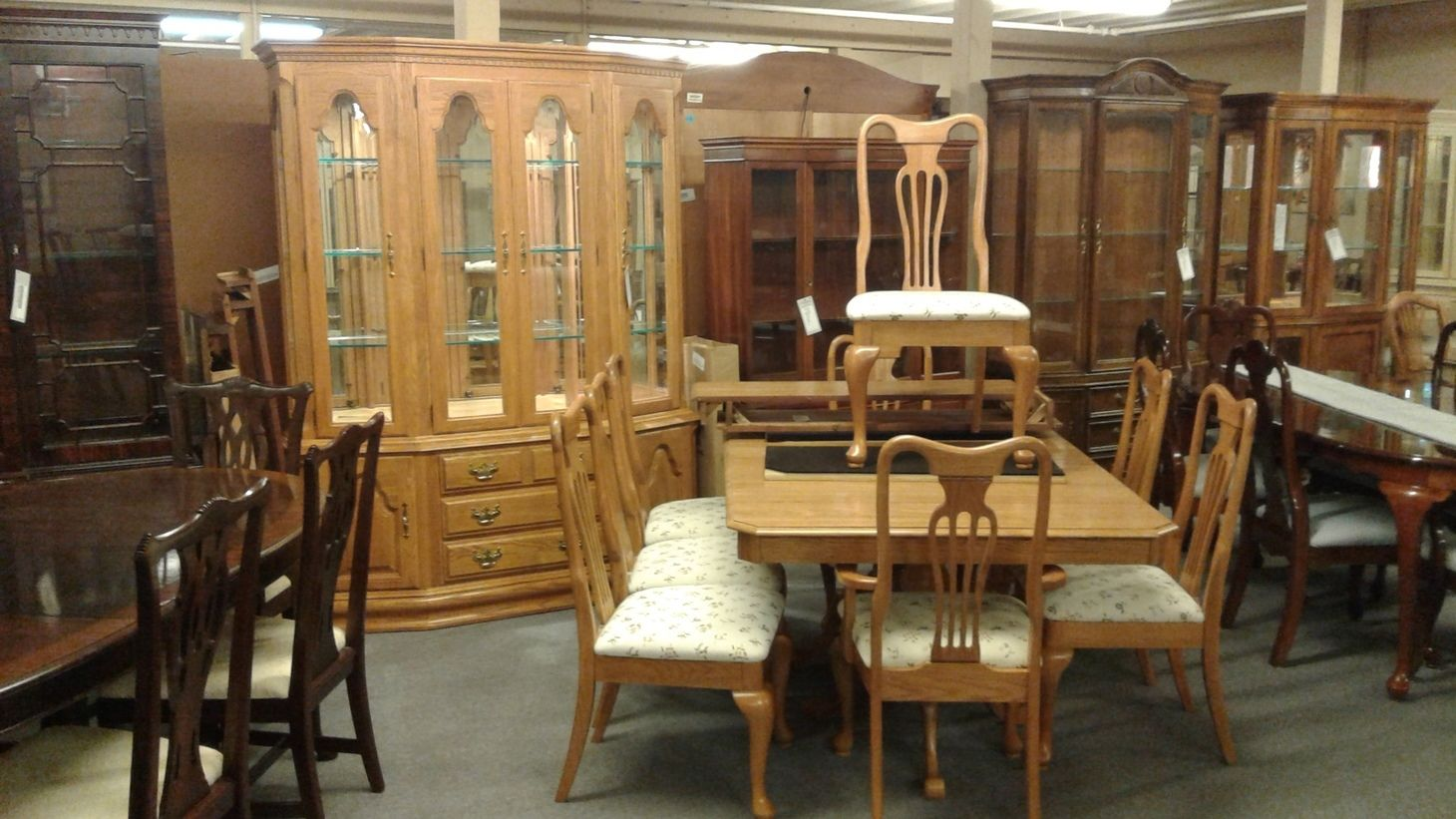 round oak table and chairs white dining chair slipcover keller room set | delmarva furniture consignment