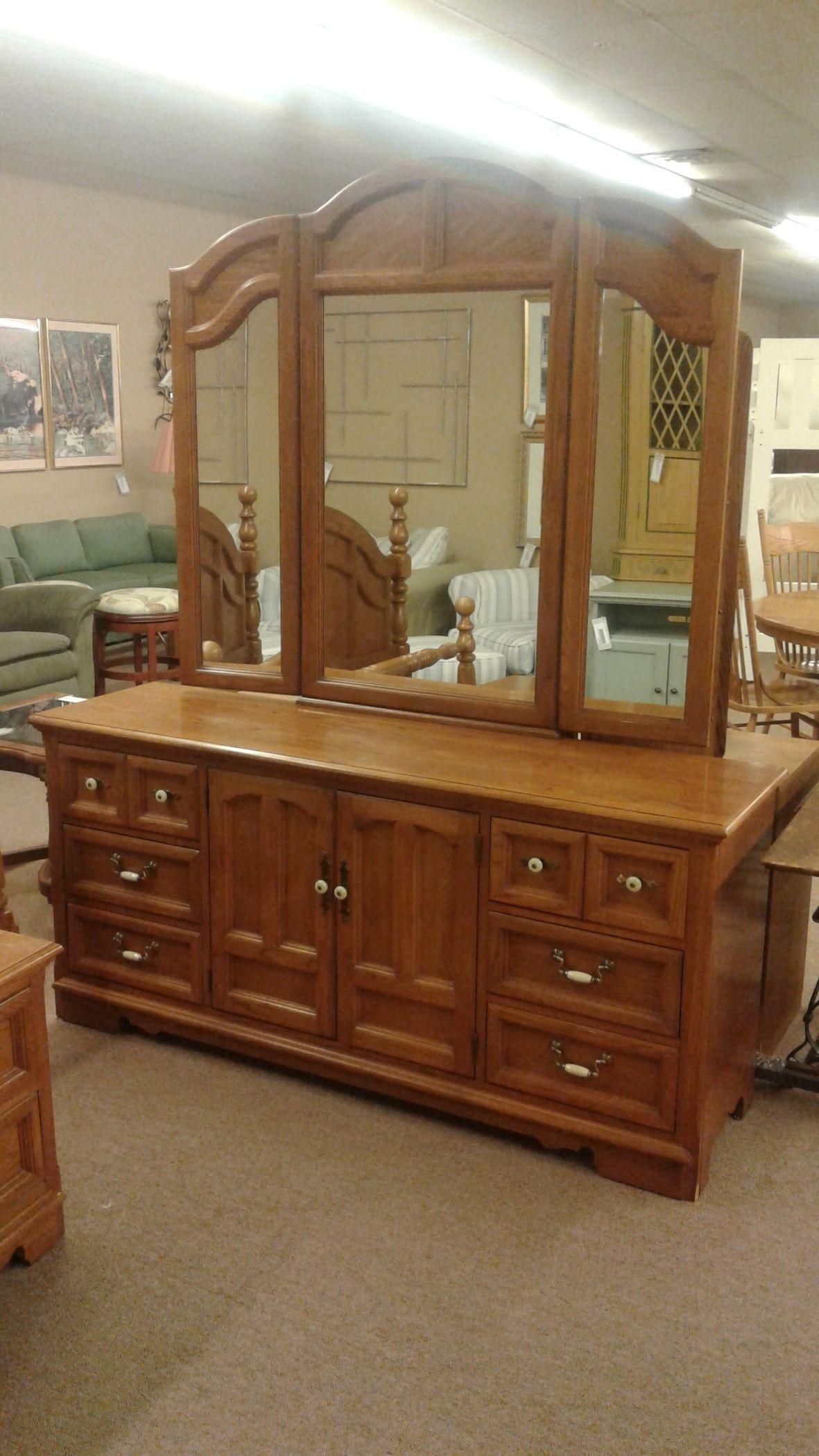 THOMASVILLE DRESSERMIRROR  Delmarva Furniture Consignment