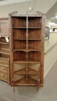 MASTERCRAFT CORNER CABINET | Delmarva Furniture Consignment