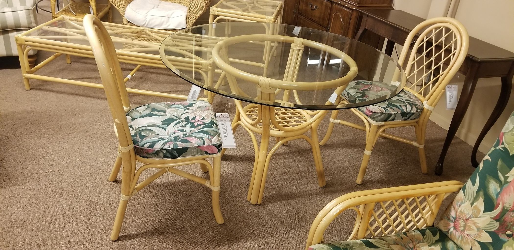 2 chairs and table rattan chair rail picture frame moulding w delmarva furniture consignment medium 15327974679696395935067547643937 15327974995956253966765791688299 15327975210731116990172061215707