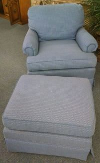 THOMASVILLE CHAIR AND OTTOMAN | Delmarva Furniture Consignment