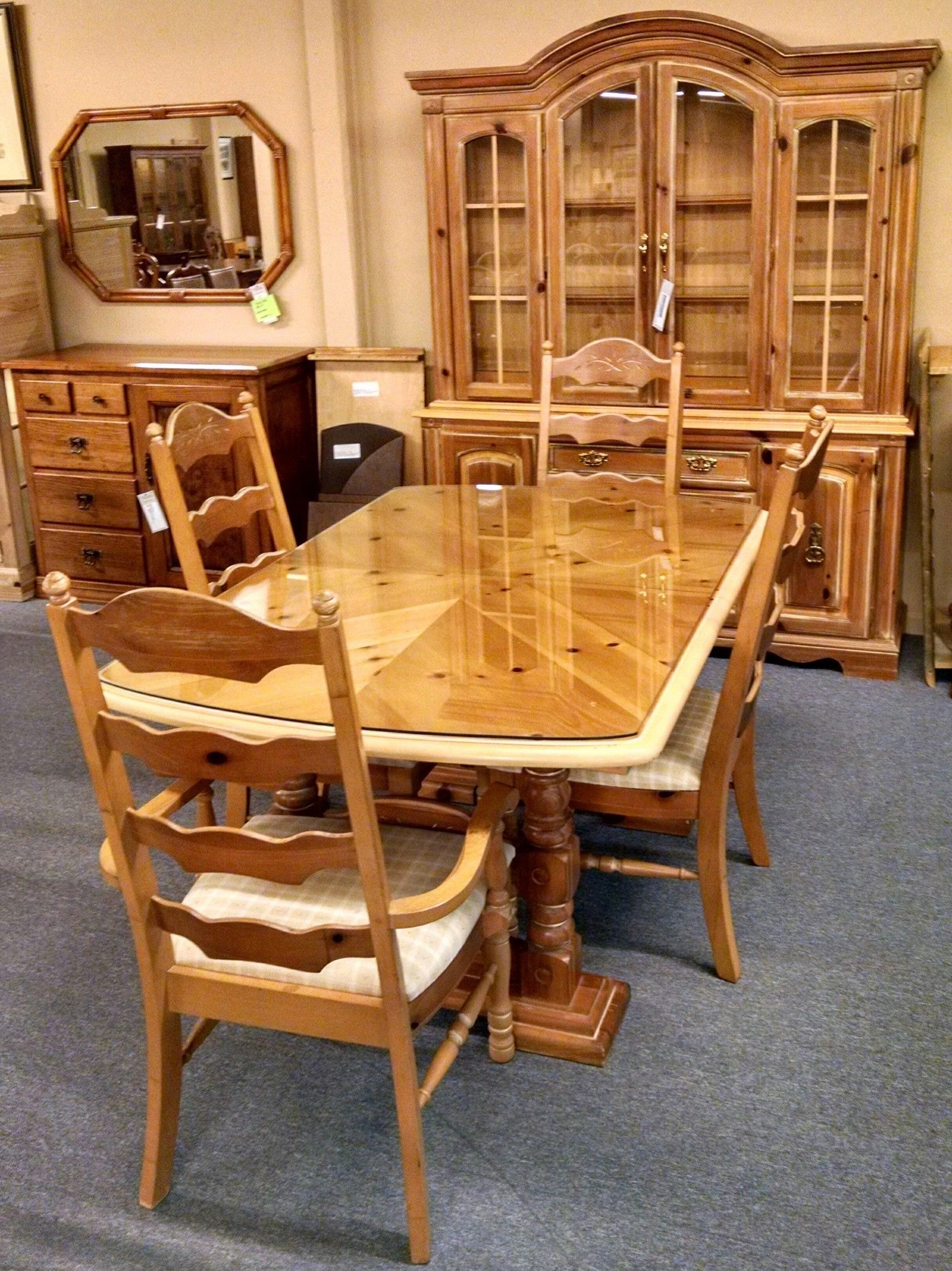 BROYHILL PINE DINING SET Delmarva Furniture Consignment