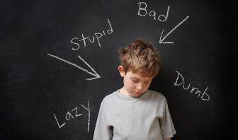 como se comporta una persona con baja autoestima