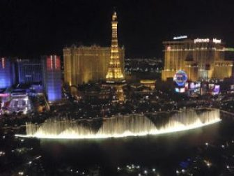 Fountains at the Bellagio : Cool things to do in Las Vegas