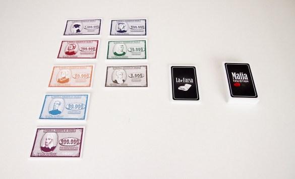 Preparación de las cartas antes de empezar la partida (para cada jugador y en el centro de la mesa).