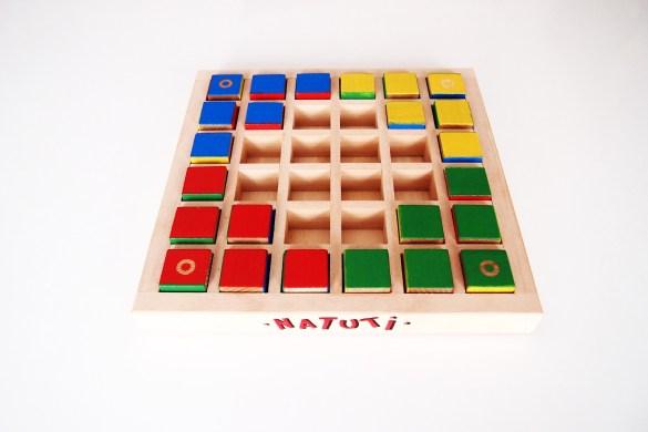 Natuti en partidas para cuatro jugadores (o para dos con dos colores por persona).