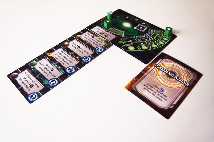 A la hora del recuento de puntos, se tiene en cuenta la misión secreta. El ganador es el jugador con la mayor puntuación.