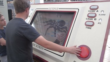 Game & Watch gigante