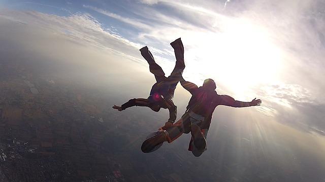 skydive-101771_640