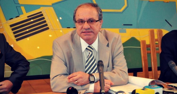 Prof. LUCIAN BĂLUȚ