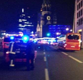 Berlin : un camion fonce sur un marché de Noël, le conducteur présumé arrêté 1