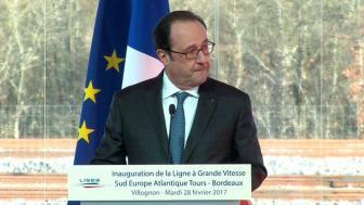 France : Pendant un discours de François Hollande, un tir accidentel blesse deux personnes