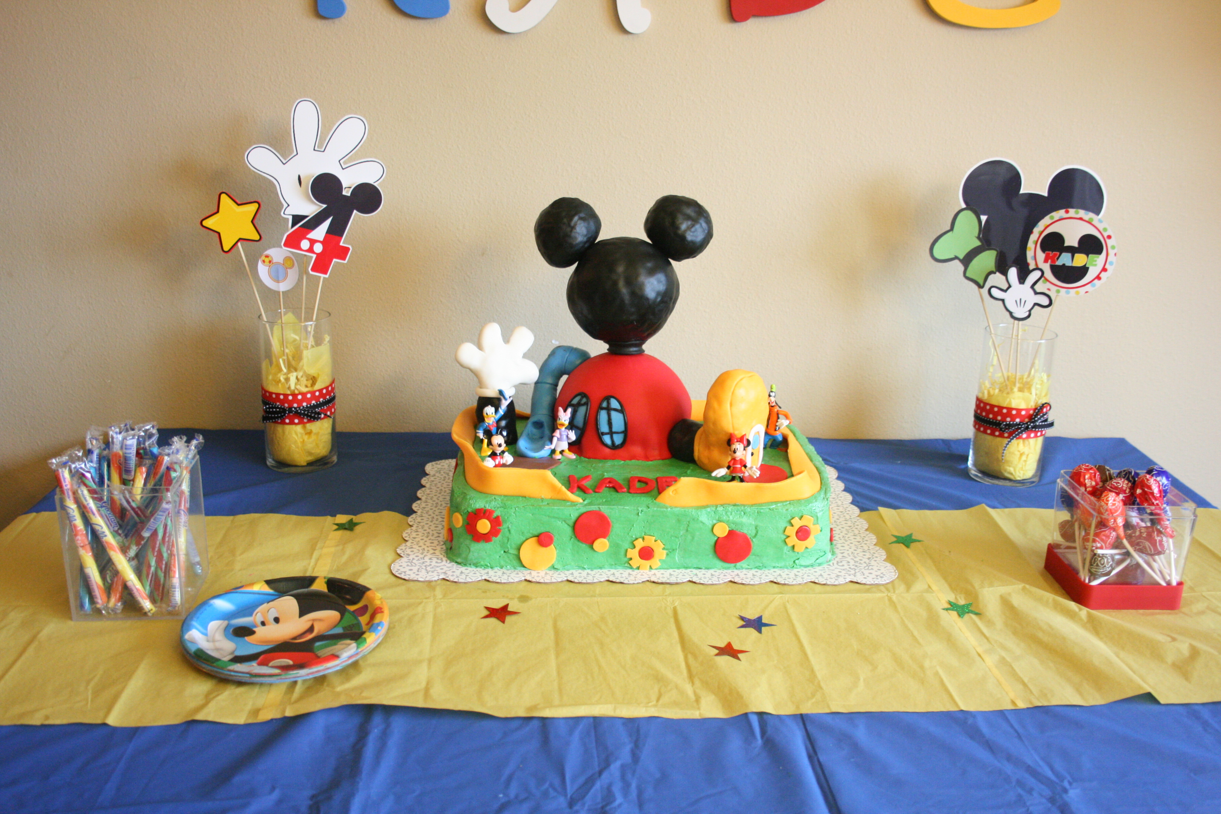 Mickey Mouse Club House Party Constantly Crafting