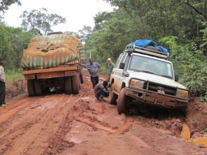 common experience in Chad road | Photo credit: mjengwablog.com