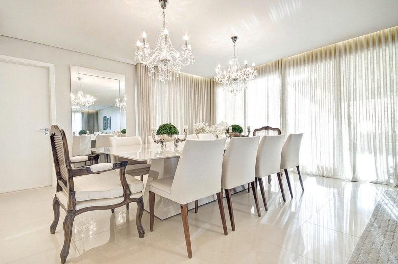 Sala De Jantar Vintage ~ sala de jantar clássica possui cadeiras e mesas elegantes