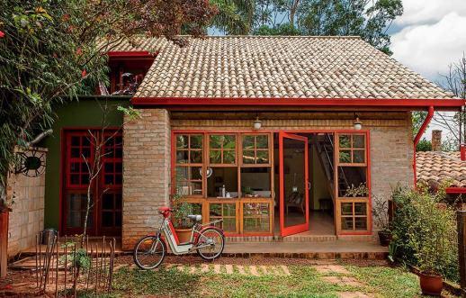 03 casa de tijolo simples e bonita fachada
