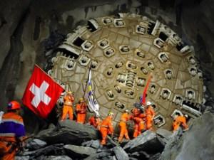 Túnel sob os Alpes suíços