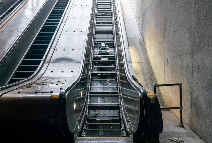 Escalator maintenance