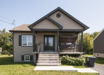 Maison Moderne Canada   Hauss 2 Habitations Mont Carleton