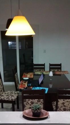 mesa 8 lugares quadrada com tampo em vidro temperado