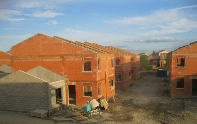 PENDANT TRAVAUX CONSTRUCTION DE 26 VILLAS BBC