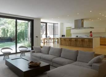 Diseño de casa moderna de dos pisos [Fachada e interiores]