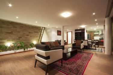 casa hill built planta into sala comedor cocina moderna interior pared rectangular interiores piedra dining techos techo mirador ventanas room