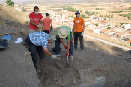 Determinando la planta de la cisterna (sondeo 1-2)