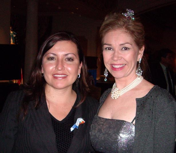 Renya Flores of Taca Airlines and Consul Biggs Sparkuhl