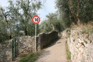 strada-lago-di-garda