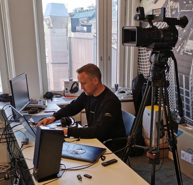 Alexander Andersson, Axad Media