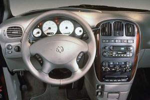 200104 Dodge Caravan | Consumer Guide Auto